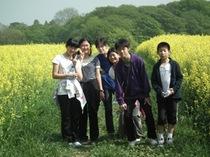 一面黄色のマスタード畑!野外研究会が近隣のフィールドを散策しました。
