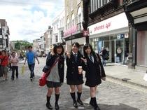 生徒会主催ギルフォードショッピングの様子を写真でご紹介します。