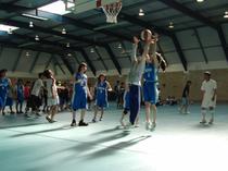 今年のバスケットボール部引退試合は教員、OB、後輩達を相手に白熱!