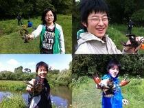 テニス部は現地校と対外試合、釣り部はザリガニ釣りに外出。