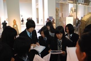 ヒエログリフ解読の謎を解く為、大英博物館で本物のロゼッタ・ストーンを見て来ました。
