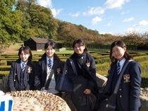 小中学生アウティング:湖に浮かぶリーズ城&潜水艦のあるドックヤード