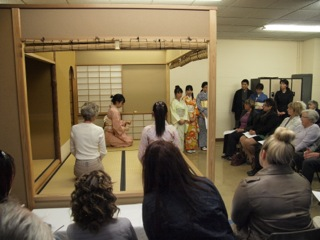新旧の日本文化を余すところなくイギリス人に伝えよう!やる気満々の立教生がJapanese Eveningで大活躍。