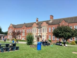 短期交換留学という経験を通して〈Wolverhampton校 短期交換留学手記〉
