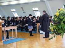 入学始業礼拝の日:新しい大家族の生活が始まりました。