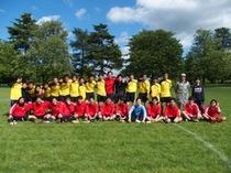 毎年恒例、ロンドンのOBチームを迎えてサッカー親善試合。