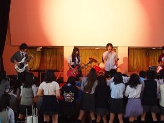 普段気づくことのない生徒たちの一面を垣間見た「ギター部コンサート」