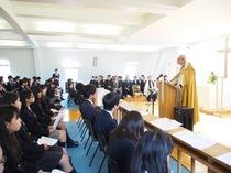 1学期終業礼拝と新寮の聖別式の様子を写真でどうぞ