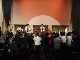 新生「軽音楽部」コンサート
