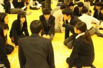 今学期最初の全校イベント:新春かるた大会