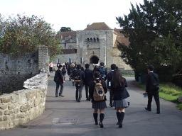 中学生アウティング:リーズ城とチャタム造船所に行ってきました。