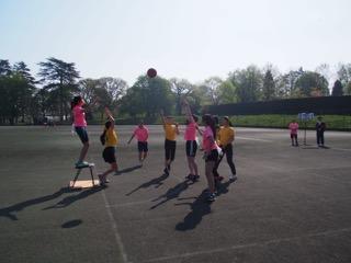 球技大会:「ゴールが人間のバスケットボール」〜ポートボール
