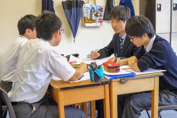 友達と一緒に勉強することの意義