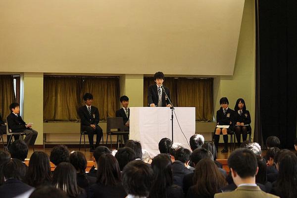 生徒会総選挙演説の様子