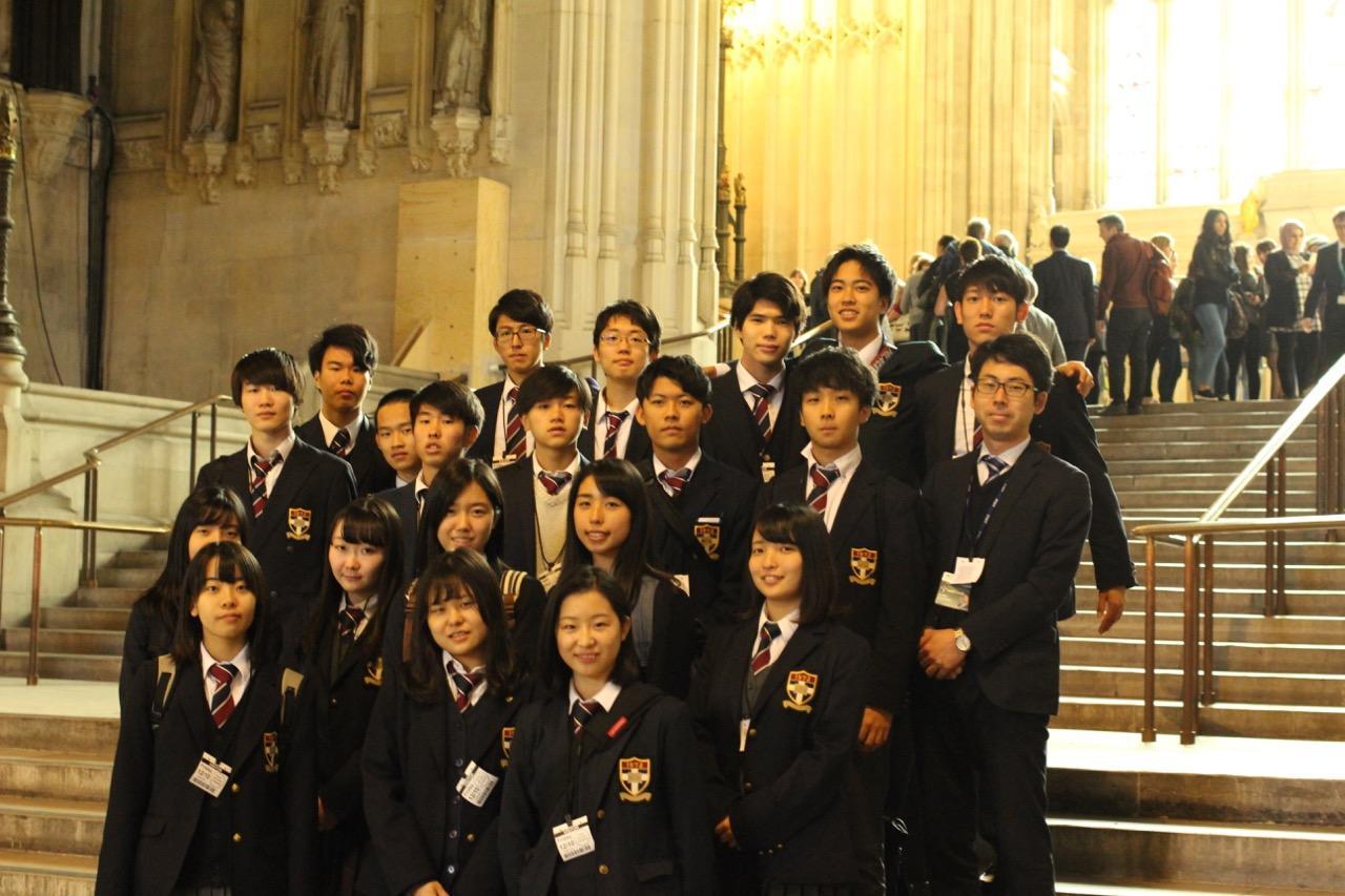 高等部3年生で国会議事堂を訪れました。