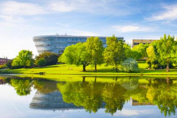 「UCLロンドン大学CLIE」「サリー大学」との進学協定