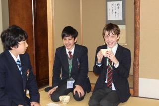 Royal Grammar Schoolの中学生が本校を訪問しました。