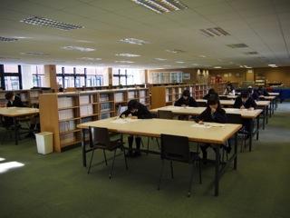 ケンブリッジ英語検定試験を行いました。