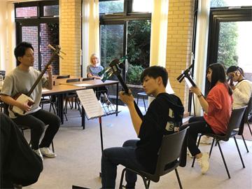 一川響さんによる津軽三味線ワークショップ と 生徒「体験記」〈第1弾〉