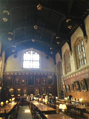 アウティング:高等部2年生はオックスフォードを訪れました。