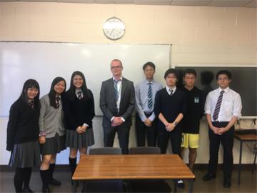 Warwick大学のWarrack氏が来校、生徒たちと座談会で交流しました。
