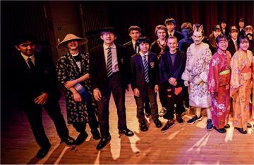 RGSとの合同演劇企画「From Alice to Arisu」が、RGSの学期広報誌に大きく掲載されました。